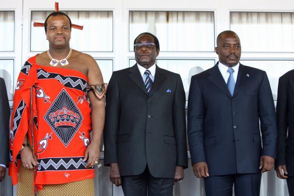 King Mswati III of Swaziland (L), Zimbab